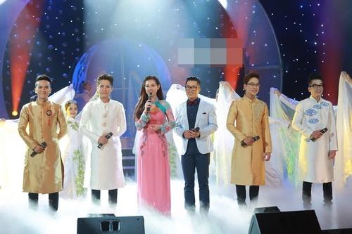 Hotgirl Quỳnh Chi ngày càng mặn mà hơn sau khi sinh con-17
