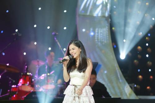 Hotgirl Quỳnh Chi ngày càng mặn mà hơn sau khi sinh con-14