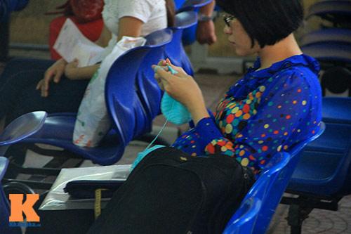 met moi cho doi kham thai tai bv phu san - 7