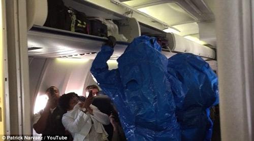 """khi """"tu than"""" ebola bi mang ra lam tro dua - 2"""