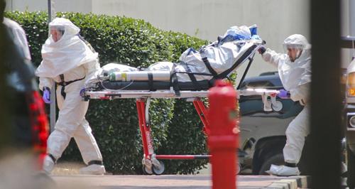 hon 230 bac si, y ta chet vi ebola trong 4 thang - 1