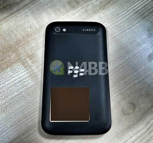 them hinh anh blackberry classic, phien ban ke nhiem q10 - 2