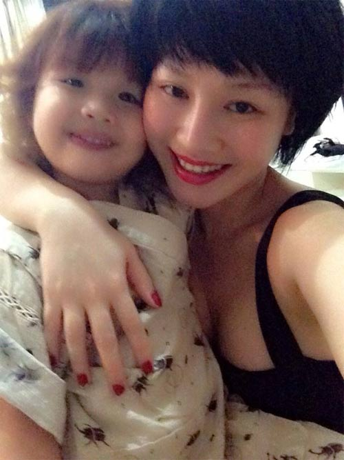 con gai thanh trung don sinh nhat 4 tuoi cung me - 1