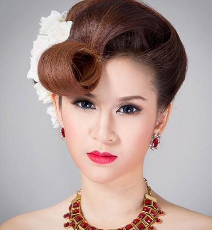 2 kiểu tóc cô dâu đẹp rạng rỡ khiến chú rể ngất ngây - 7
