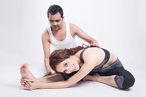 khanh thi khoe tai tap yoga dieu luyen - 5