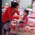Làng sao - Diễm Hương vác bụng bầu đi mua sắm