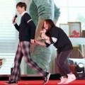 Làng sao - Lee Min Ho bất ngờ khi bị fan sàm sỡ vòng 3