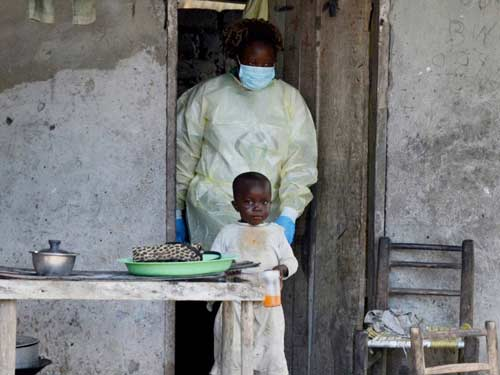 who: 13.703 nguoi lay nhiem ebola tren toan cau - 3