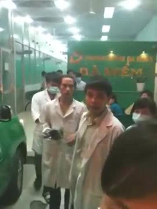 phong kham tu choi benh nhan vi khong co nguoi than? - 3