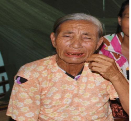 """ba lao nuoi 9 con ngo ngan mo mot lan duoc nghe tieng goi """"me"""" - 1"""