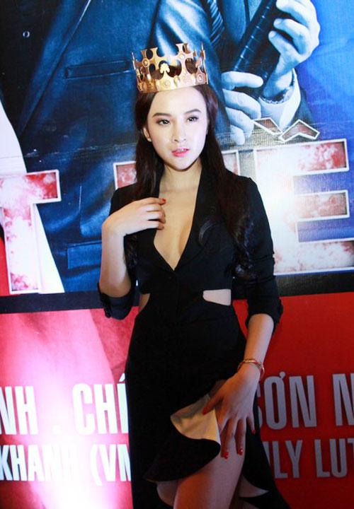 angela phuong trinh mac vay xe 'hiem hoc' - 7