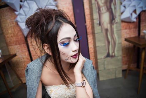 hoa trang halloween thu vi nhu sao viet - 4