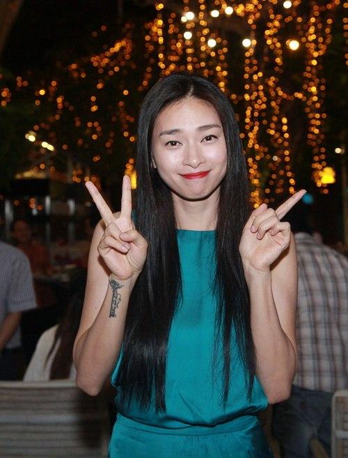 ngo thanh van hanh phuc khoe me ruot va cha duong - 1
