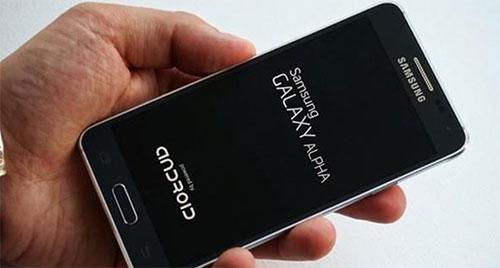 samsung galaxy a7 man hinh 1080p, chip 64 bit lo dien - 1