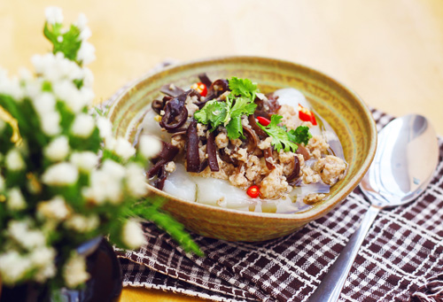 banh duc thit nong hoi don gio mua ve - 9