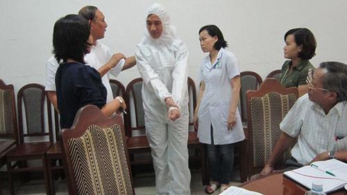 benh nhan nghi nhiem ebola duong tinh sot ret - 1