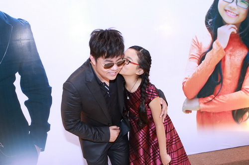 quang le chi 4 ti lam show voi phuong my chi - 5