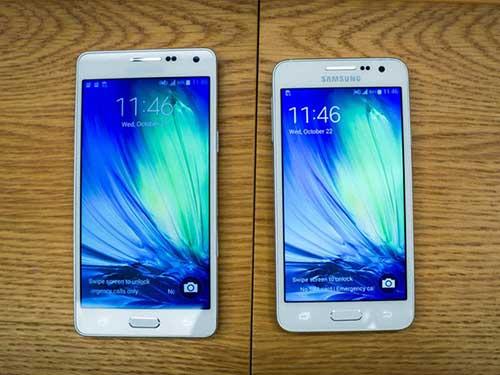 anh thuc te 2 smartphone kim loai sieu mong galaxy a3, a5 - 1