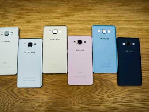 anh thuc te 2 smartphone kim loai sieu mong galaxy a3, a5 - 5