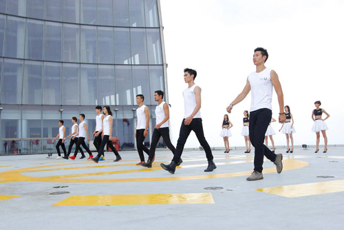 vntm 2014: thi sinh run ray catwalk o do cao 191m - 5