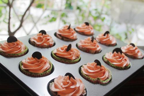 thuong thuc chocolate cupcake - chut ngot ngao dau dong - 7