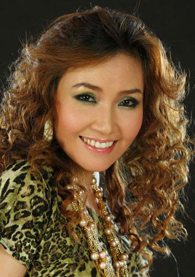 'my tam thu hai' cua showbiz viet: vung vang de khong bo cuoc - 2