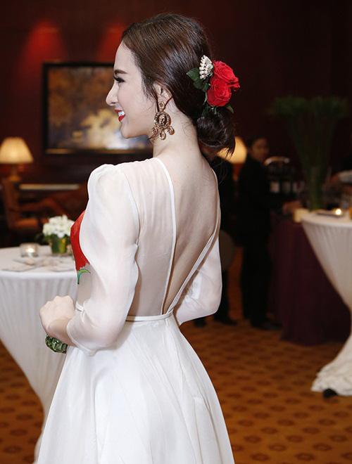 angela phuong trinh dep nhu nu than voi bom hoa - 7
