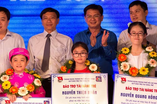 "thuy tien khoe ""anh cuoi"" dep lung linh - 12"