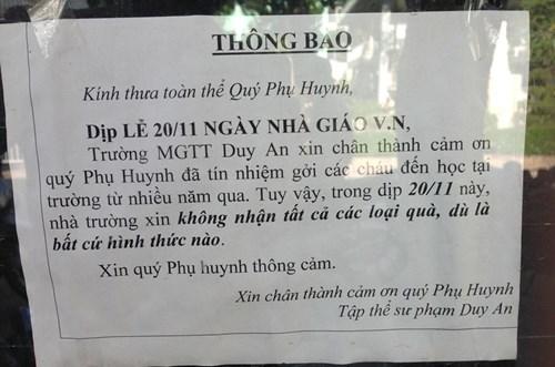 20/11, nha truong xin tu choi nhan qua cua phu huynh - 1