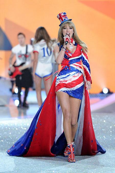 """17 """"bi mat"""" de thuong cua victoria's secret show 2014 - 9"""