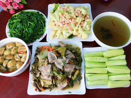bua com chua den 100 nghin dong cho 4 nguoi - 1