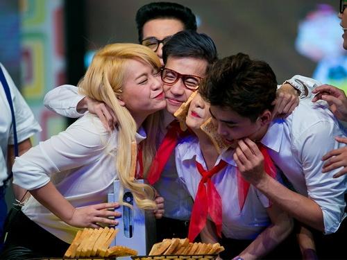 """phuong my chi dong kich, huong giang idol """"quay"""" tung bung - 11"""