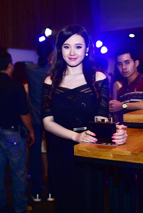 elle show: my nhan ho chung muc - goi cam khon luong - 9
