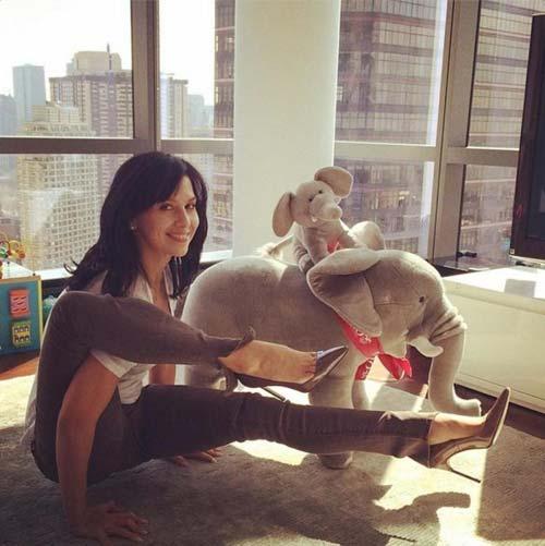 nhung tu the yoga doc dao cua my nhan hollywood - 5