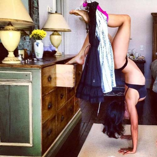 nhung tu the yoga doc dao cua my nhan hollywood - 10