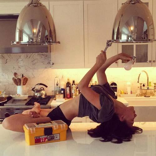 nhung tu the yoga doc dao cua my nhan hollywood - 3