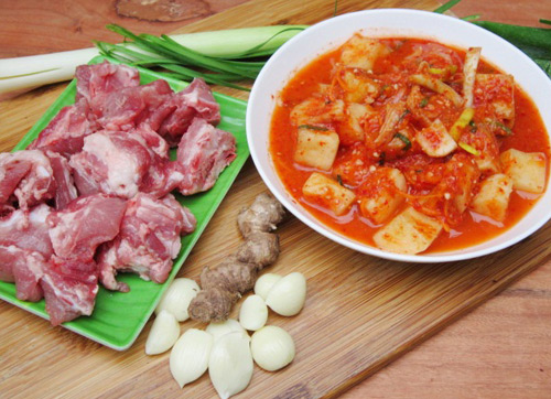 canh kim chi cu cai nau suon - 1