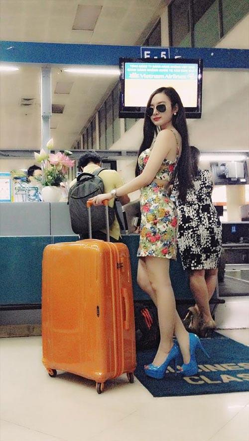 angela phuong trinh dieu tren muc can thiet tai san bay - 9