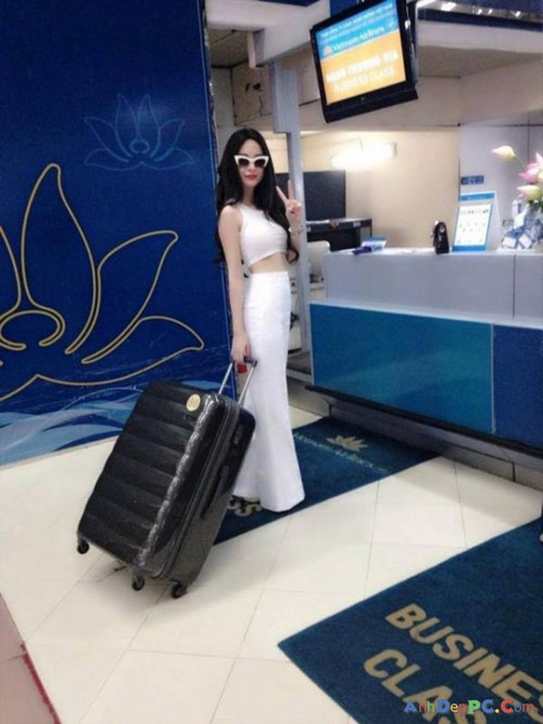 angela phuong trinh dieu tren muc can thiet tai san bay - 6