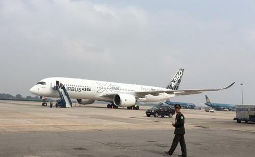 may bay a350 xwb-900 lan dau tien trinh dien o vn - 1