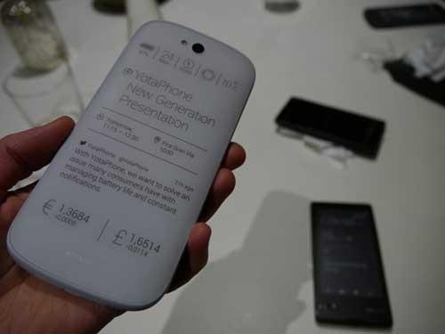 smartphone 2 man hinh yotaphone 2 se ra mat vao 3/12 - 3