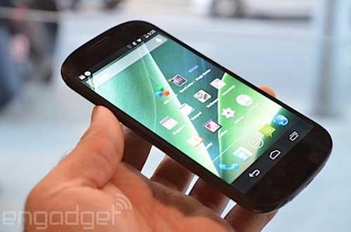 smartphone 2 man hinh yotaphone 2 se ra mat vao 3/12 - 4