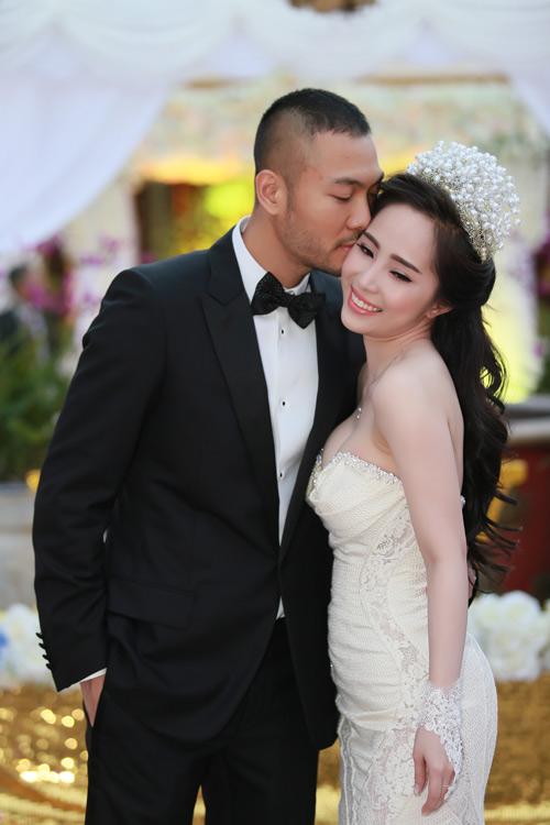 Doãn Tuấn hôn Quỳnh Nga say đắm trong ngày cưới - 15