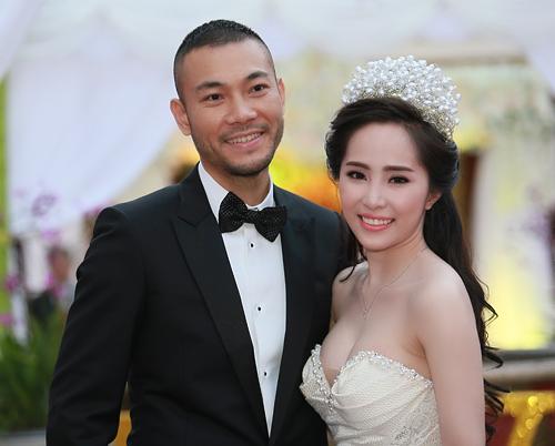 Doãn Tuấn hôn Quỳnh Nga say đắm trong ngày cưới - 16