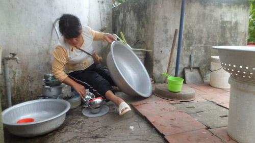 chuyen ba me tan tat khong chong mot minh nuoi con - 2