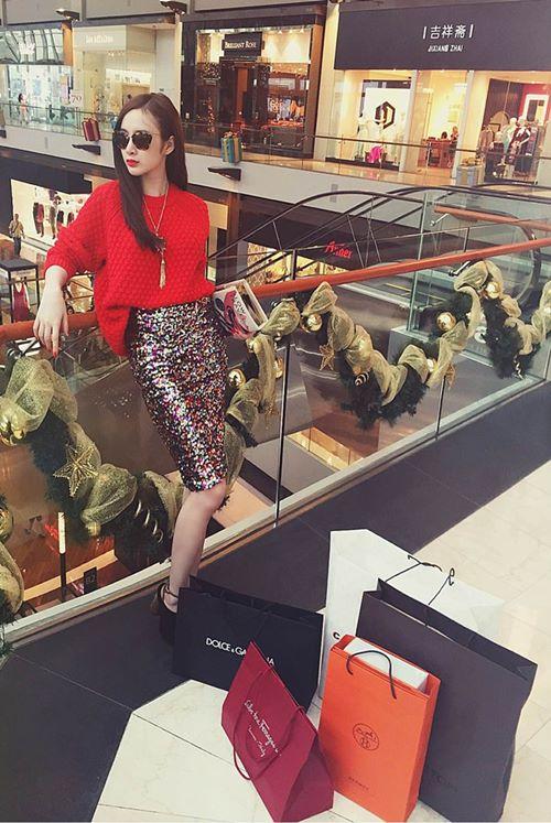 angela phuong trinh sang chanh di mua sam hang hieu - 4