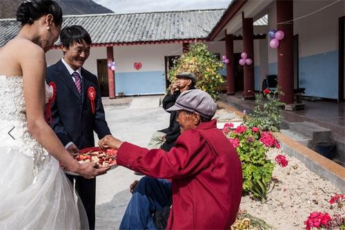 Đám cưới phá vỡ lời nguyền tại ngôi làng bệnh phong-8