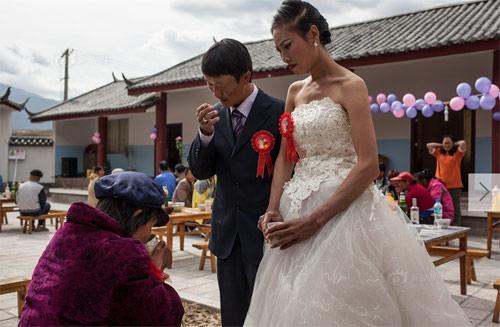 Đám cưới phá vỡ lời nguyền tại ngôi làng bệnh phong-6