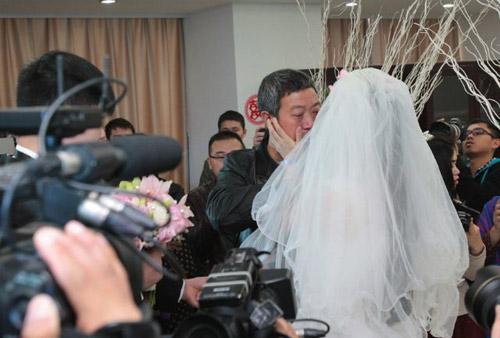 Rơi nước mắt với đám cưới của cô dâu mắc bạo bệnh-3