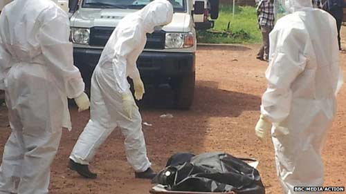 sierra leone: benh nhan ebola bi vut xac ra duong - 1
